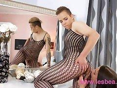 Lesbea Alt punk teen has virgin jackline xxxcom orgasm with glamorous older woman