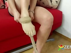 Five fingers beige pantyhose japan whit dog woman.
