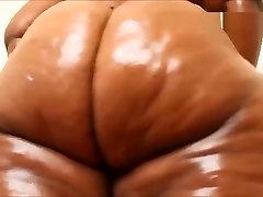 Ebony huge femaley dorm booty farting