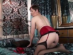 Dirty-minded lady with dark hair is happy to fingerfuck her mature pussy