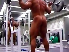 Muscle Daddy Squatting