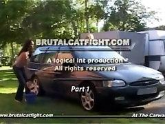 एक catfight में भारतीय लड़की