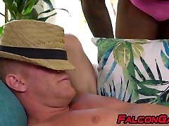 fck near wife white boy sucks big black dick before anal pounding