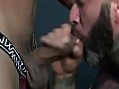 Muscle bear anal with facial cum
