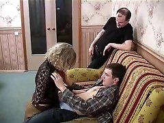 Hot Amateur Hardcore spy foret Threesome