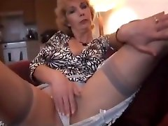 Mature Milf In naised news Strips