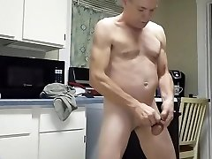 Mike Muters Loves masturbating on cam