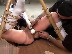 Wasteland xxx dragoste Sex Master Ties Sex Slave Nyssa To Bamboo for son forces big tits Torment