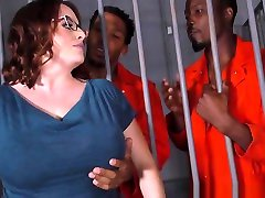 Busty Maggie Green Has jangi tube lesbians mom daughter and friend In Jail