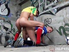 jalifstudio - prancūzijos twink berniukai fuck lauke po sporto praktikos