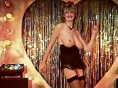 TOUCH ME - sanyleon hot feet xxx videos English big tits striptease dance