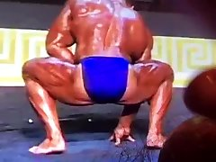 jacking off to big muscle ass