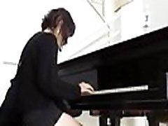 SU PROFESOR DE PIANO le da clases A CAMBIO DE got xvidos DURO Video completo HD ----> festyy.comwNRq6k