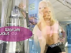 German amateur sexparty orgy with housewife