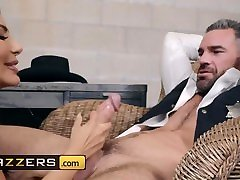 Lela Star fucked the sheriff but she did not fuck the deputy - Brazzers