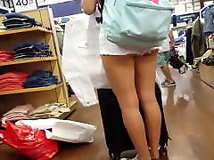 Candid angry husand 2 hot teens showing ass while shopping at mall