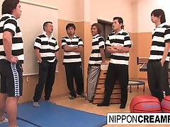 Schoolgirl Gets Her Pussy Pounded By Jocks In The Gym - NipponCreampie