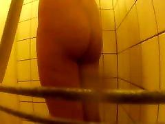 tulpes ir dušā slēpts rīcības cam