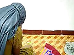 Very Hot Indian bhabhi fucking hard and moaning in pleasure