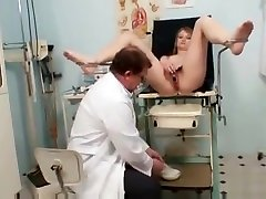 Ema Gyno Fetish Teen Pussy Speculum Examination By Old Doc filmandoprima escondida bondage slave femdom domination