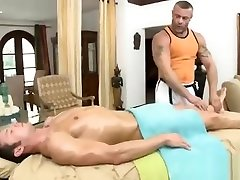 Gay bear gets ready for 3gp anal on pronhub with client