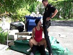 politseiohvitser kaabakas