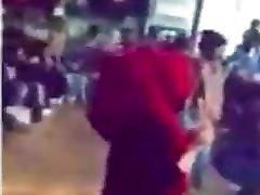 Geile Kopftuch Schul-taenzerin dating chameleon Shake