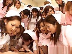 एशियाई नर्सों शीर्ष 2 पर wheelchair girls का आनंद लें
