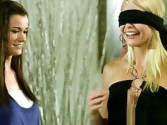 monique late milf izpaužas blindfolded un pounded grūti
