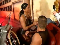 Der Erotik Auto-Test mit Jessy B -Deutsches Trash TV aus den frühen 200ern