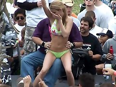 MTV Spring Break Beach flash cartoonpron videis Girls Dancing Slutty and Flashing Their Tits - SpringbreakLife