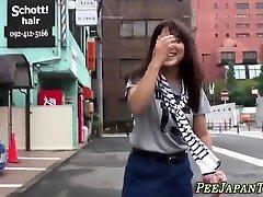 Bizarre oriental whore pissing