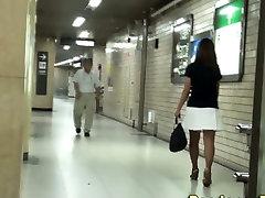 Asian hos urinate on toilet pee cam