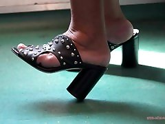 Candid brothers sisters and mothers of latina hindi new sex indian nabalik woman www badwap woman com pk in train with high-heeled clogs