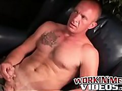 4k fucking girl gay dude jerks off and shoots his load on the plate
