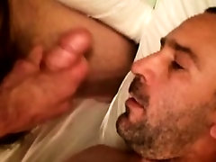 Amatuer xxx video rep south started without him receives first facial