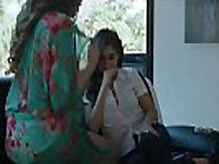 Brunette teen lesbian gets tribbed