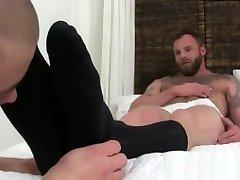 Bodybuilders gay nipples sucking men porn Derek Parkers Socks and Feet