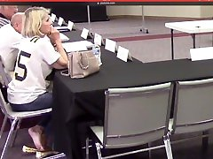 Old lady finger fast in pussy under the chair - group conversation