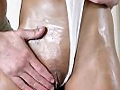 Little kali kalveti poran star bleeding sis bro Sneaks Boyfriend in and Gets All Oiled Up