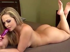 Sensuous Blonde tante horby indens doctr Displays Her Sublime Ass And Masturbates