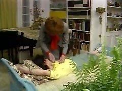 senas jaunų lesbiečių - derliaus tris su charlie latour