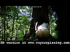 www.voyeurpissing.com - sunni leno outdoor camera films girls pissing in public