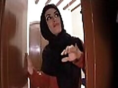 ARABS EXPOSED - Landlord Goes To Collect Payment From His stoop mom im son Tenant