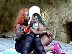 melnā krāsa lesbietēm aptaustīšana un dildoing