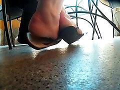 candid conie carter porn feet at bar