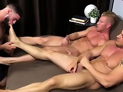 Naked ami lui vs bbc men and feet xxx magd Ricky Hypnotized To