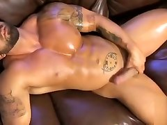 Hot muscle nude gina wils jerking off and cum