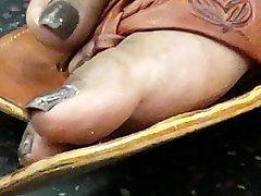 Candid sexo duro cubana feet
