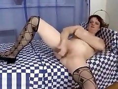 Old dating beby masturbates with thin and long dildo
